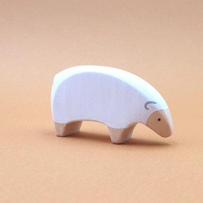 Mouton blanc qui mange